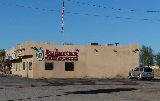 Ruperto's Mexican Food : Exterior view