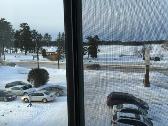 BEST WESTERN PLUS Concord Inn: View from 2nd floor room. Snowmobile parking on left!