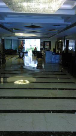 United-21 Citymark – Gurgaon: lobby