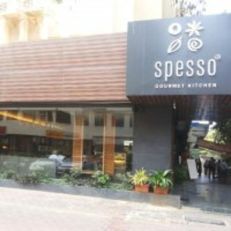 Spesso Gourmet Kitchen: Outside View