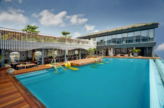 Aqua gym swimming pool picture of hablis hotel - Beach resort in chennai with swimming pool ...