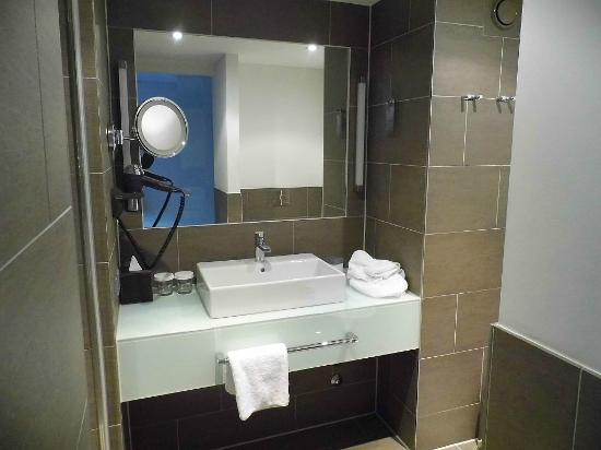 Atlantic Grand Hotel Bremen: Badezimmer