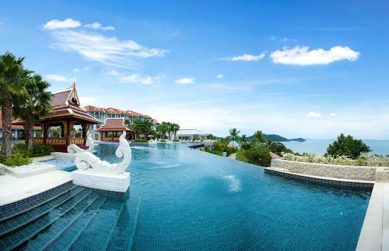 Cape Panwa, Thailand: Swimming pool