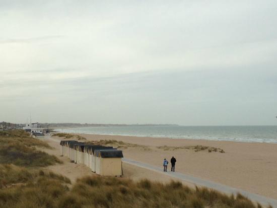 Ibis Styles Ouistreham: La plage proche de l'hôtel