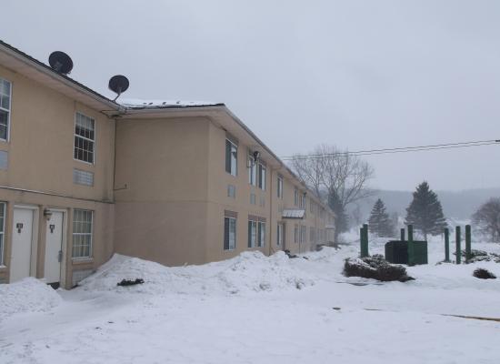 McGraw, NY: Chaleureuse vue hivernale