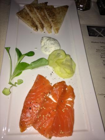 Congers, Νέα Υόρκη: Molasses Cured King Salmon (appetizer)