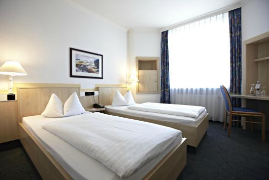 InterCity Hotel Rostock: Standard Twin Room
