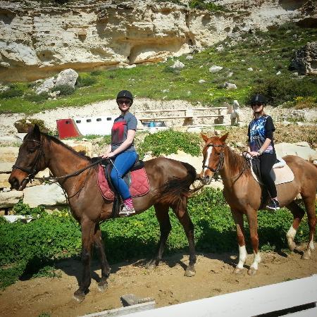 Curium Equestrian Center: Stella & Ollie