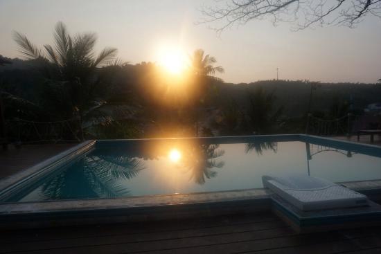 Koh Tao Toscana pool at sunset