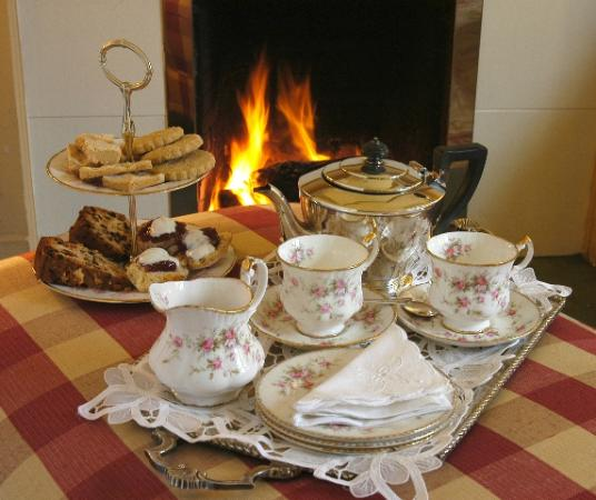 Penpont, UK: Afternoon Tea in the beautiful Drawing Room at Scaurbridge House