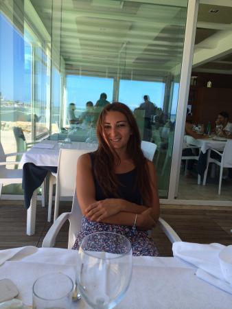 Molfetta, Włochy: Splendido ristorante moderno sul mare... prevalentemente pesce fresco e di ottima qualità ... Se