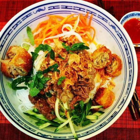 restaurant family dans paris avec cuisine vietnamienne. Black Bedroom Furniture Sets. Home Design Ideas