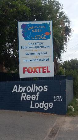 Abrolhos Reef Lodge: sign
