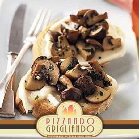 Pizzando Grigliando : crostini mozzarella e funghi