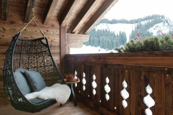 Hängesessel Schaukel Auf Dem Balkon Picture Of Lech Lodge Lech