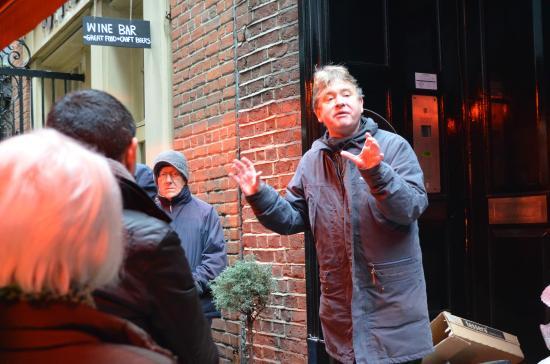 London Discovery Tours With Richard Jones: Richard Jones in action