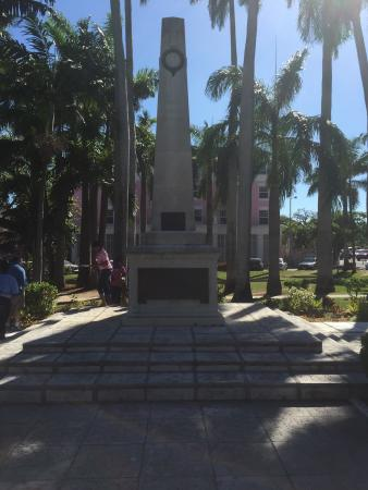 Cenotaph: The statue is located behind the government house.
