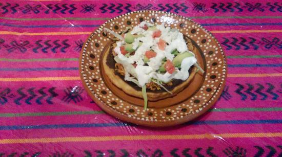 Los Tres Mariachis