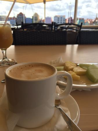 Otrobanda Hotel and Casino: Coffee with a view