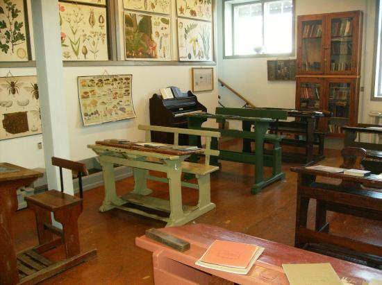 Thorsvang - Danmarks Samlermuseum: Skolestue op til midten af 1900-tallet