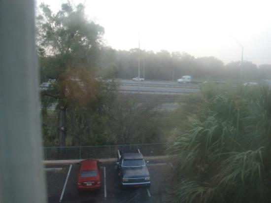 Fairfield Inn & Suites Ocala: View from my East side room - OUCH (loud traffic)