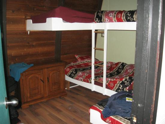 Sun Peaks International Hostel: Room capacity 4