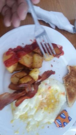 Britannia Pub & Grill: All day breakfast