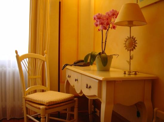 Conception pour chambre simple hotel definition : Chambre simple ...