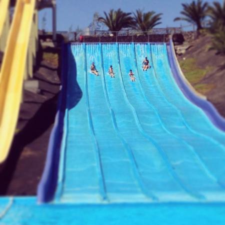 Acua Water Park: racing!