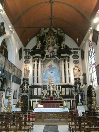 Onze-Lieve-Vrouw ter Potterie: The main altar with the 13th cent statue