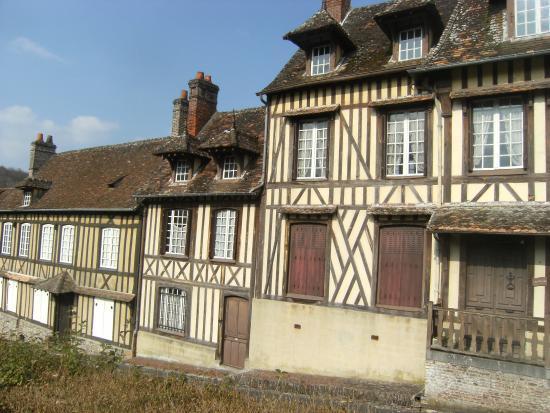 L 39 ancien march couvert au coeur du village picture of chateau de fleury la foret lyons la - Office du tourisme lyons la foret ...