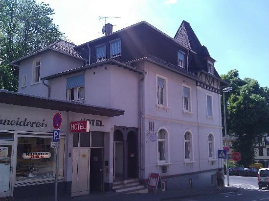 hotel zum feldberg k nigstein im taunus tyskland hotel anmeldelser sammenligning af. Black Bedroom Furniture Sets. Home Design Ideas