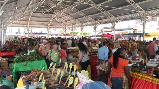 Musee Schoelcher : mercato