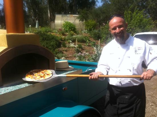 Mama's Meatball: our portable pizza oven