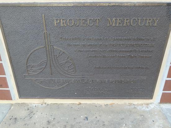 Space View Park: project Mercury plaque