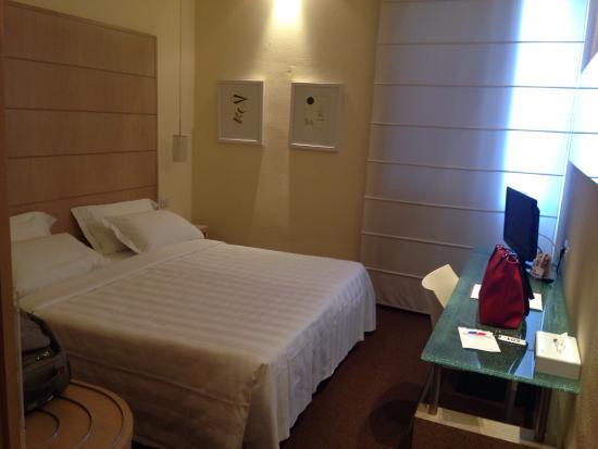 Hotel First : Camera