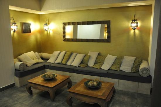 Caramell Premium Resort Superior : Lobby - besides the Bar on the ground floor
