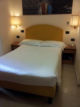 Crosti Hotel: BED