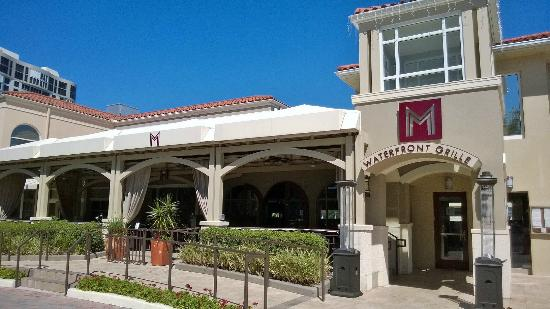 M Waterfront Grille: Front of the Restaurant, located in a very nice shopping plaza.
