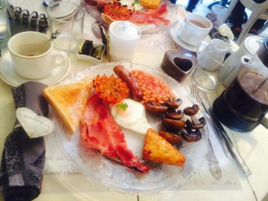 Brighton Marina House Hotel : Full English prepared fresh