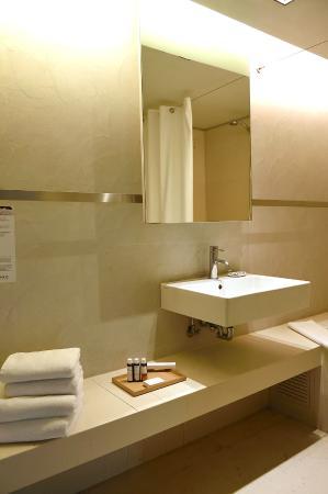 Brasil Suites Hotel Apartments : Bathroom