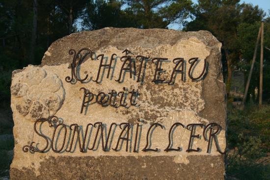 inscription en fer forg l 39 entr e du domaine picture of chateau petit sonnailler aurons
