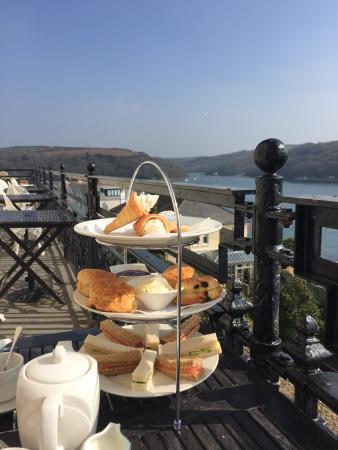 Fowey Hotel Restaurant: Fresh scones and homemade cakes