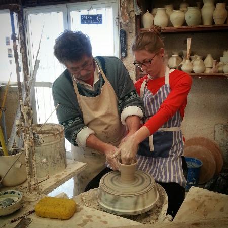 Koloni, Kıbrıs: Pottery lessons!