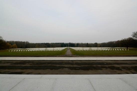 Neupre, Bélgica: Resting Souls - Wide Angle
