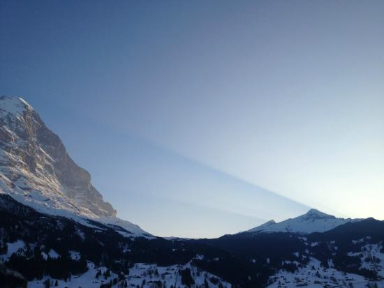 Derby Hotel: Evening view of the Eiger