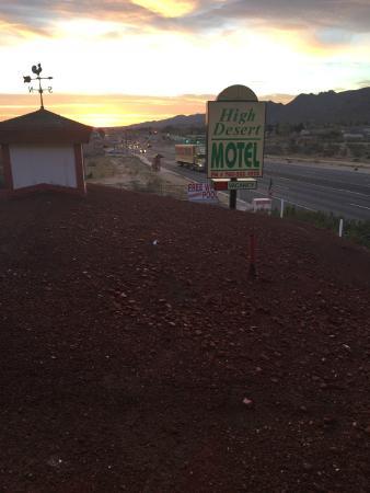 High Desert Motel : View from upper rooms at sunrise