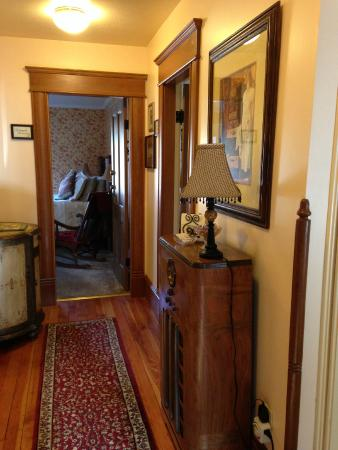 Abigail's Bed and Breakfast Inn: View from the hallway
