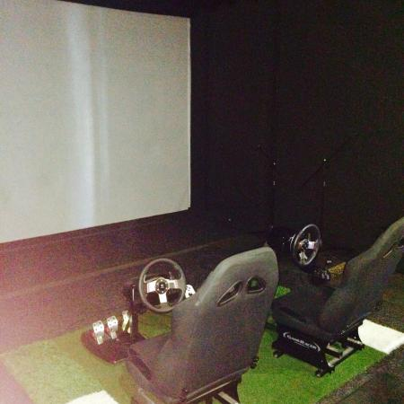 The Golf Box: Driving simulator