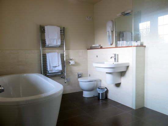 Trevalsa Court Country House Hotel: Bathroom